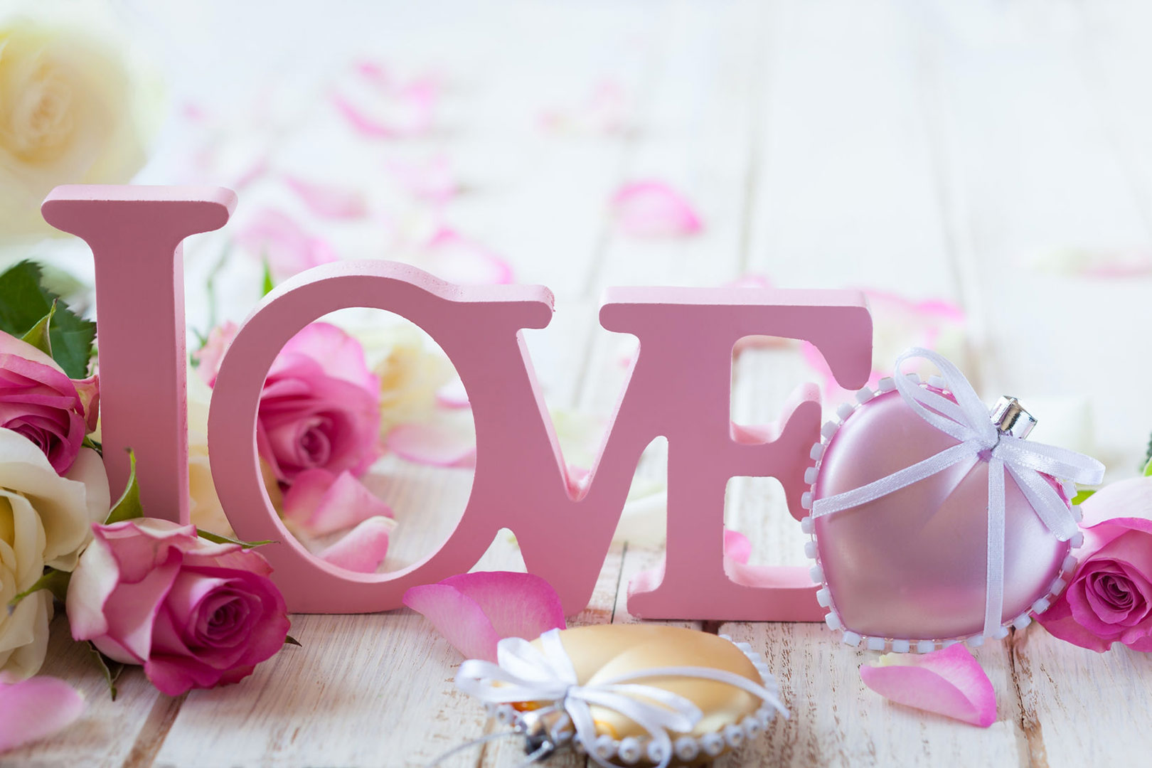 Dressing_Table_Colour_Ideas_Blog_pink_Love_Letters_Image