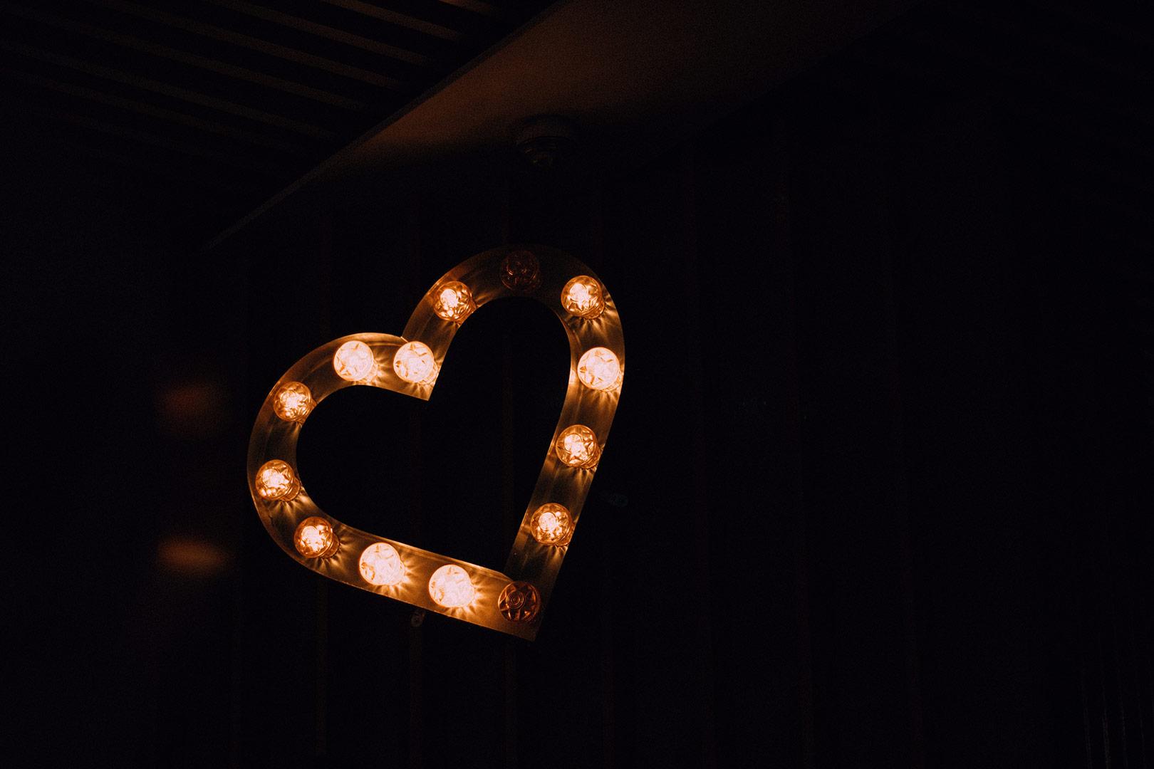Dressing-Table-Lighting-Image