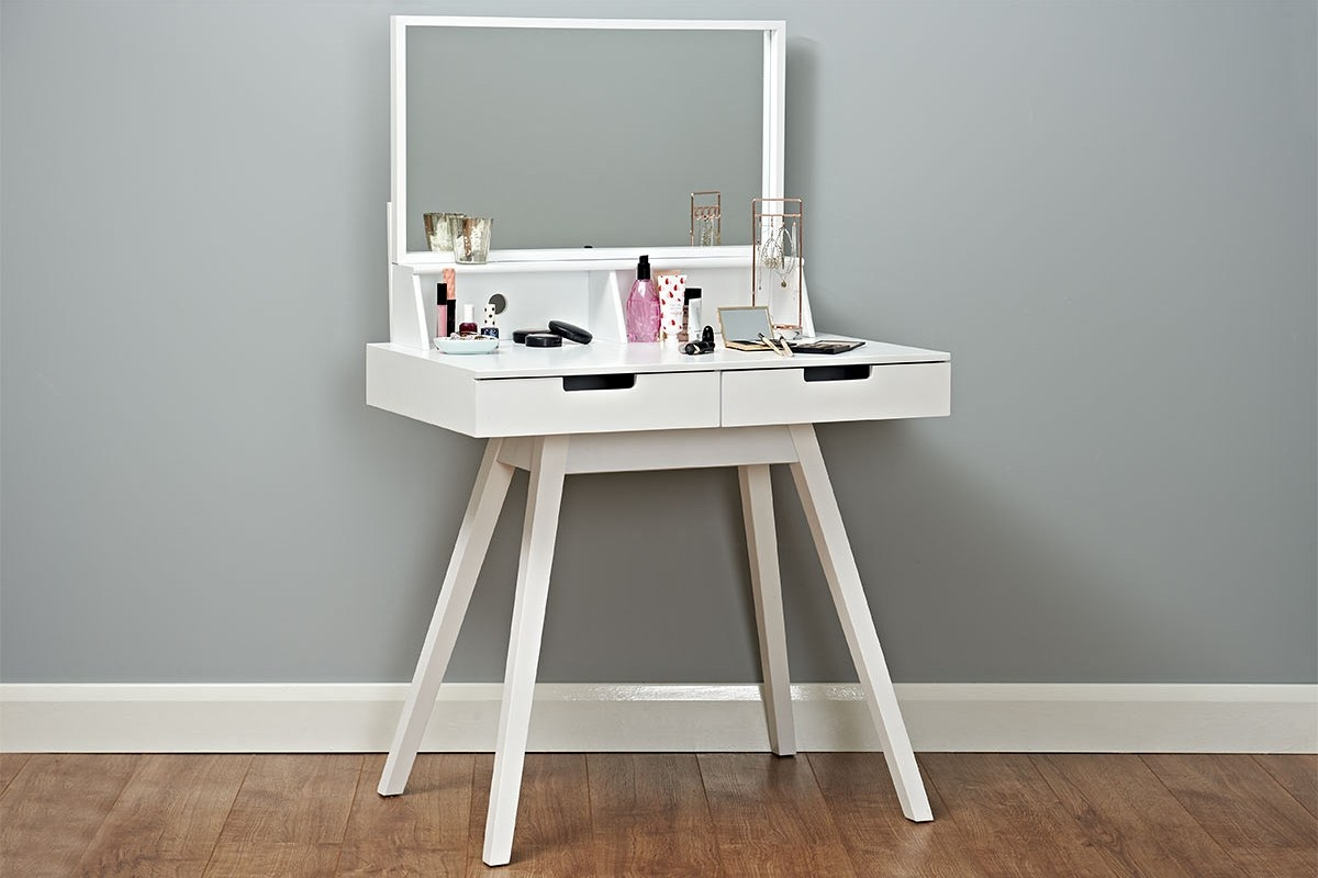 stunning white mdoern dressing table perfect as a Christmas gift